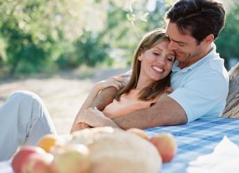 За 10 лет семейной жизни супруги научились понимать друг друга с полуслова, с полу взгляда.