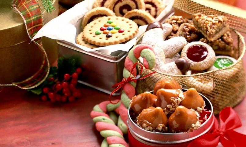 Сладости можно заменить фруктами, в которых тоже содержится глюкоза, так необходимая организму.