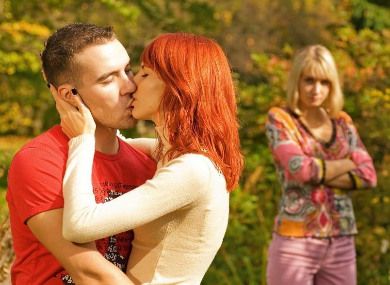 Гораздо труднее вернуть мужа в семью, когда он ушел к другой женщине. Если е ней вашему мужу будет хорошо и комфортно, он вряд ли вернется.