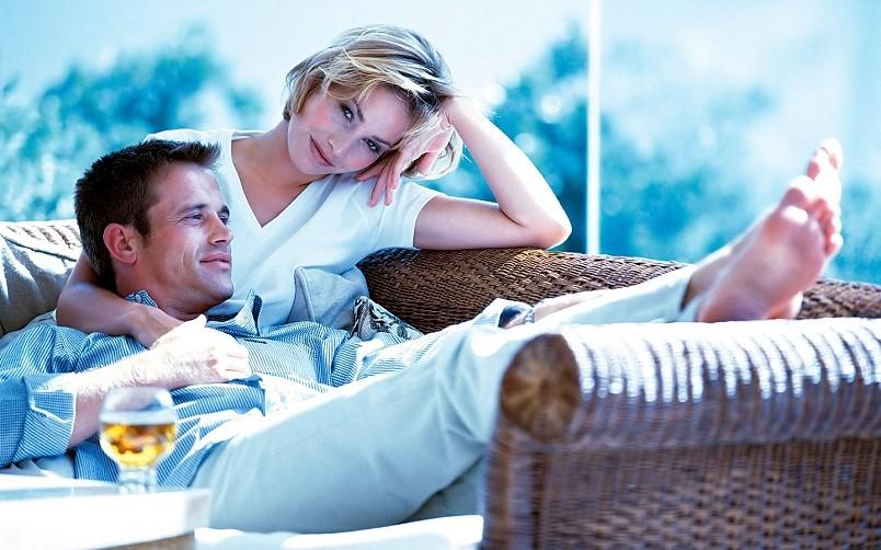 Счастье - это когда есть с кем разделить тепло домашнего очага.
