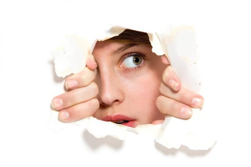 Часто вопросом о том, как быстро избавится от своих навязчивых мыслей, задаются люди, страдающие чрезмерной впечатлительностью.