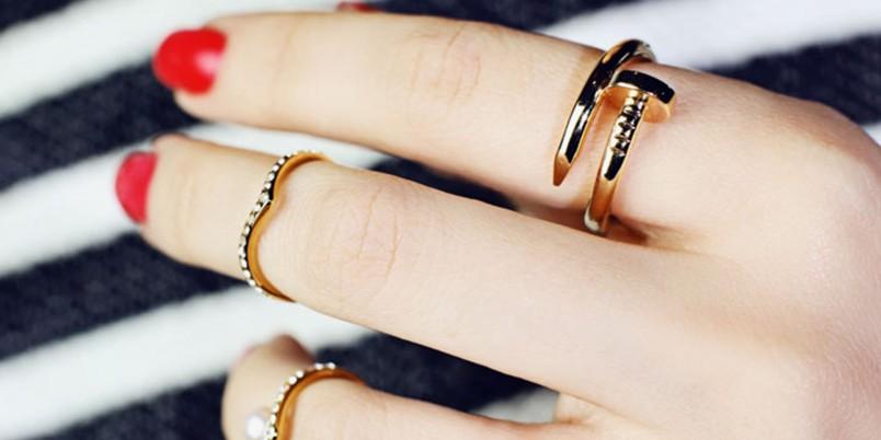 Чистка золотых изделий с жемчугом, драгоценным или полудрагоценными камнями требует особой осторожности.