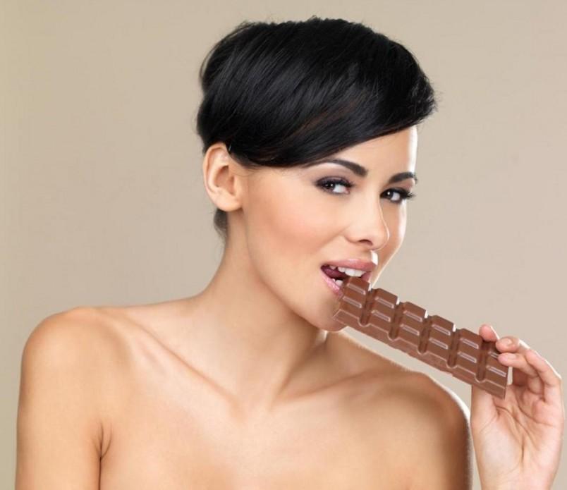 У очень занятых людей, которые не имеют на протяжении дня времени на полноценную еду, а спады энергии им приходится дополнять сладостями и сладкими напитками.