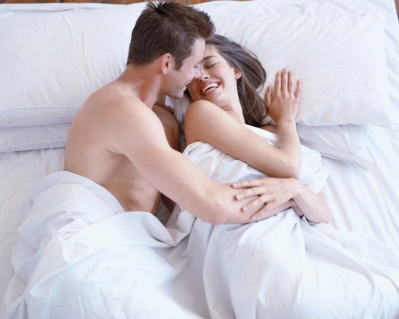 Стеснение своего тела может послужить стоп сигналом для мужчины.