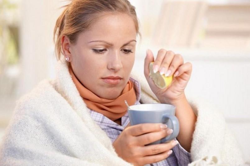 Чтобы не думать над тем, как поднять иммунитет, ежедневно пейте чай с лимоном!