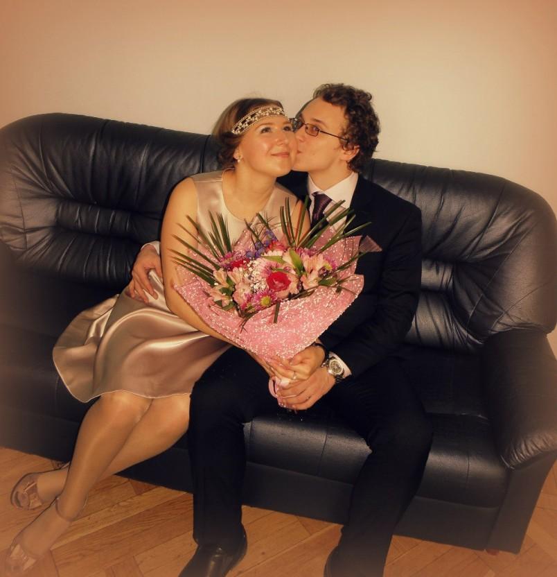 Модель отношений, когда женщина старше своего мужчины, является самой обсуждаемой и порицаемой в обществе.