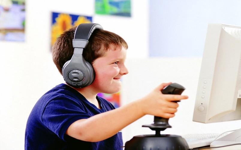 Постоянно пропадая в виртуальном мире, подросток фактически перестает адекватно воспринимать реальный.
