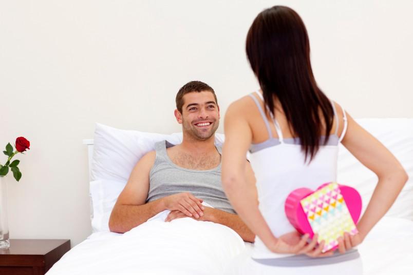 Перебирая идеи сюрприза, стоит обратить внимание и на характер, и на хобби мужа.