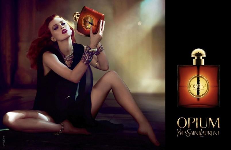 В 2002 году появилась более легкая летняя версия духов Opium Summer Fragrance, благодаря которой ряды поклонников опиумной коллекции пополнились новыми фанатами.