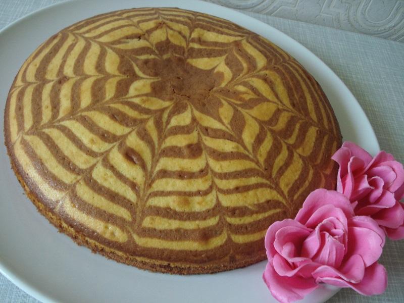 Торт зебра это тот же самый сметанник с добавлением какао.