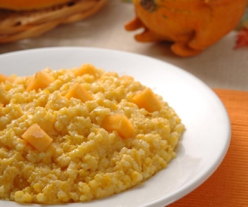 Каша из тыквы с пшеном приготовленная по старинке станет любимым блюдом у ваших детей.