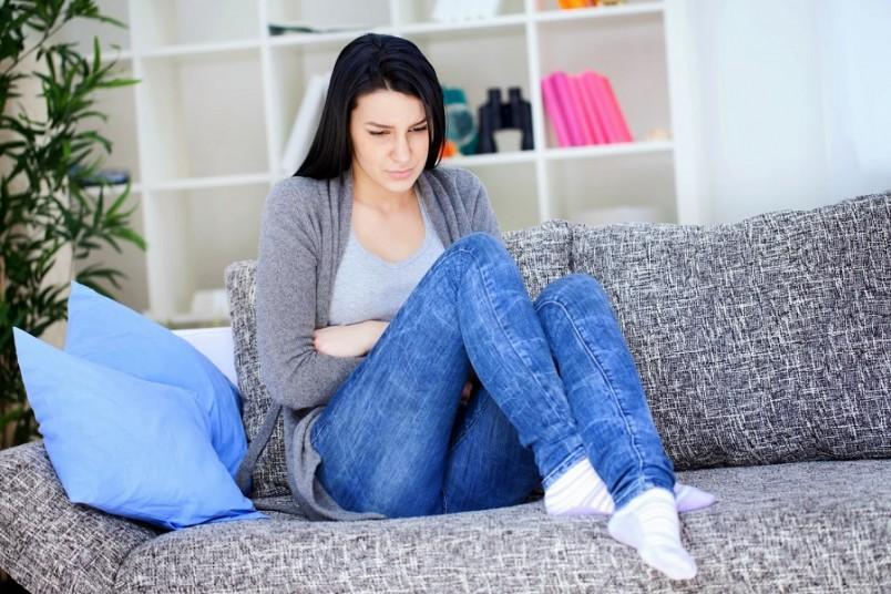 В острой стадии вагинита больная жалуется на загрязнение нижнего белья влагалищными выделениями. Они отличаются от нормальных по цвету, запаху и количеству.