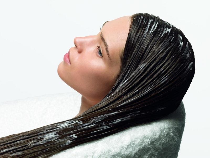 Маска от выпадения волос из лука с соком алоэ сделает вашу мечту о шикарной шевелюре реальностью.