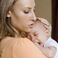 Для того, чтобы избежать проявления запора у новорожденного старайтесь внимательно следить за питанием малыша и кормящей мамы.