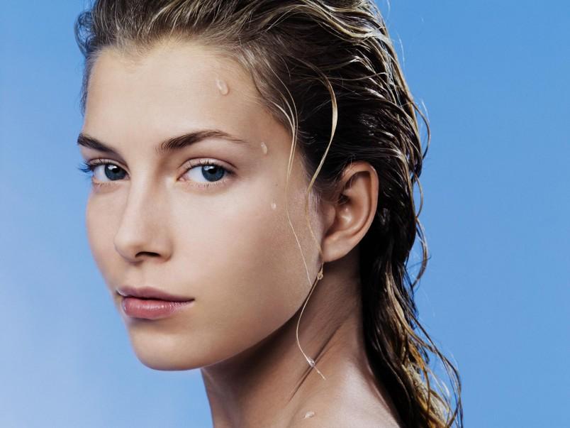 Купероз на лице придает вашему внешнему виду не привлекательность и создает отталкивающий эффект. Именно поэтому его необходимо лечить.