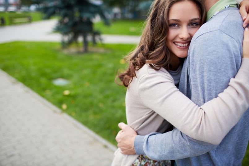 Для многих девушек привлечь достойного мужчину в свою жизнь становиться проблематично. Именно поэтому существуют некоторые рекомендации, которые помогут найти хорошего парня.