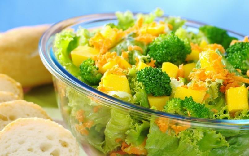 Брокколи помимо своего чудесного вкуса имеют массу полезных минералов и витаминов, которые просто необходимы для здоровья человека.