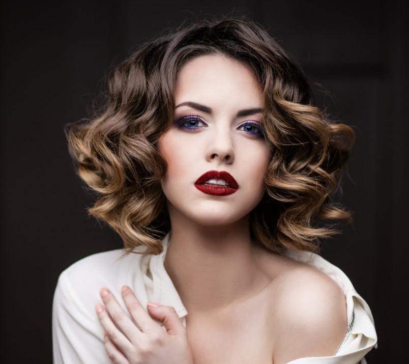 Окрашенные волосы должны сиять здоровьем и красотой, именно поэтому рекомендуется краситься только высококачественными красками.
