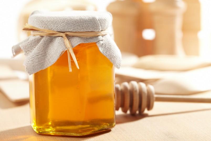 В домашних условиях проверить натуральность меда можно и с помощью обыкновенного йода.