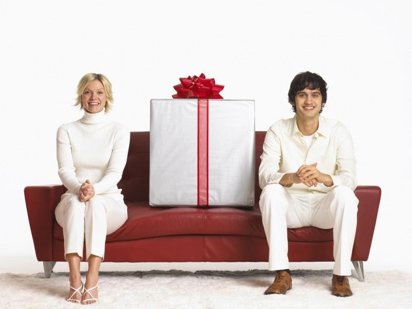 Подарок мужу может быть большой или маленький, дорогой или дешевый – все это зависит от ваших желаний и возможностей.