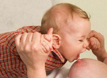 Нужно помнить, что резкое отучение малыша от груди – это огромный стресс для него.