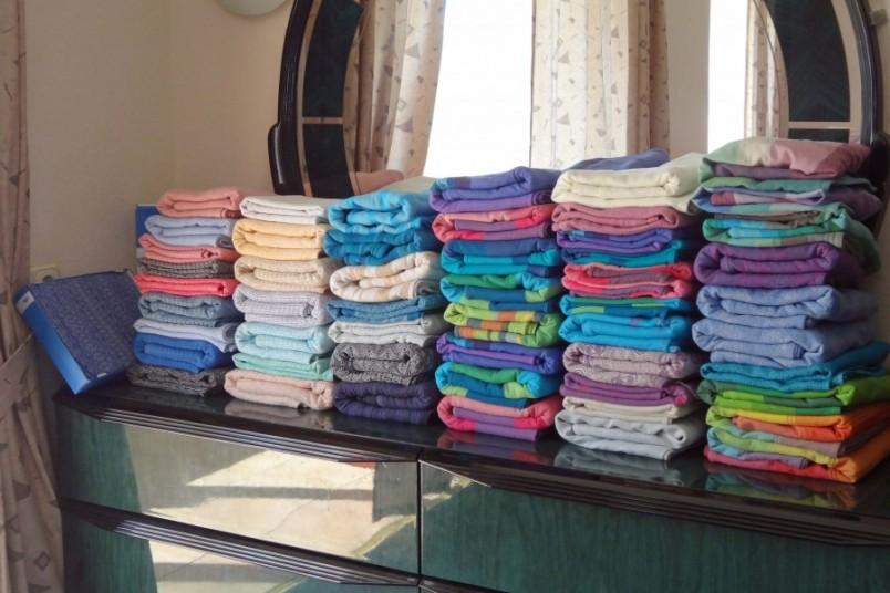 Слинг-шарф, пожалуй, наиболее универсальный и оптимальный слинг для ношения как новорожденного, так и подросшего ребенка.