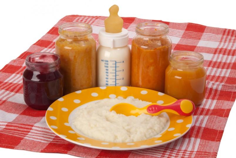 Основное правило прикорма — постепенность и последовательность введения новых продуктов.