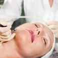 Газожидкостный пилинг - технология является своеобразным прорывом в области косметологических методик, которые применяются для безоперационного омоложения кожи.