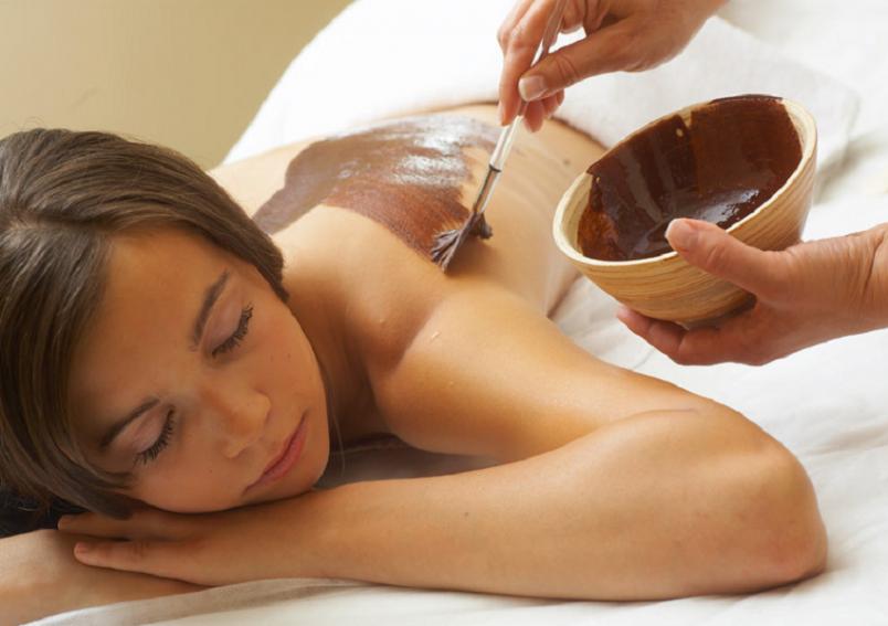 Процесс обертывания расслабляет, приводя вас в состоянии гармонии и умиротворенности.
