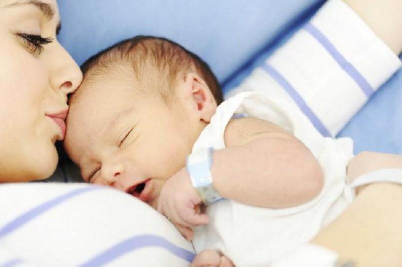 Мамочка в период кормления грудью малыша должна иметь разнообразное и полноценное питание. Тоже самое касается и обожаемых кондитерских изделий.
