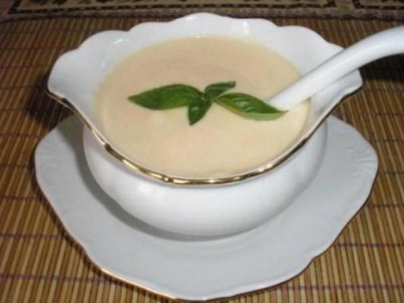 Как это часто бывает с французскими рецептами, корни соуса бешамель берут начало из античности.