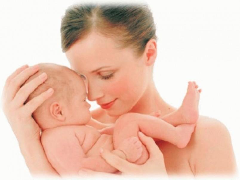 Причины головных болей у кормящих мам бывают различными. Основной из них является хронический недосып и переутомление.