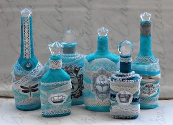 Техника декорирования настолько разнообразна, что из бутылок различной формы и размеров можно создавать самые уникальные поделки, используя при этом подручные средства.