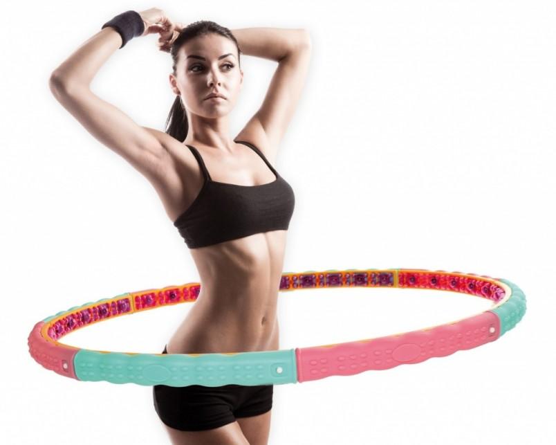 Самые распространенные тренажеры для тонкой талии — обруч и диск здоровья.