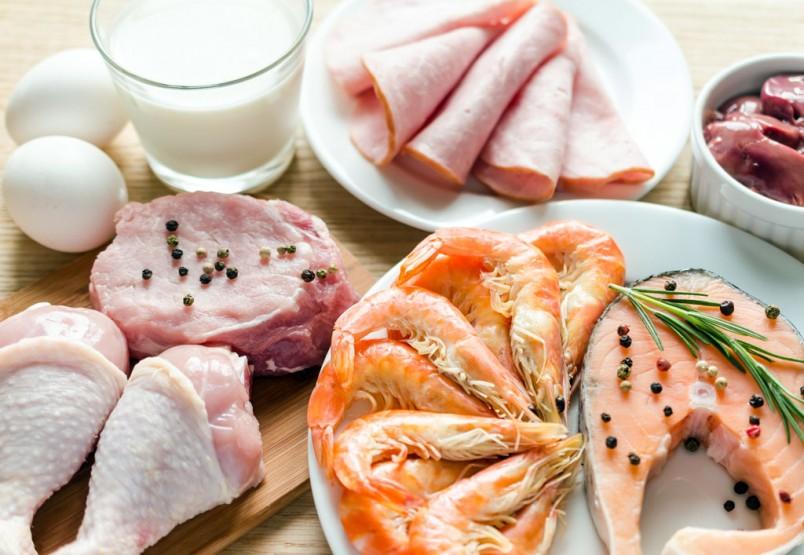 В основе популярной сегодня диеты Пьера Дюкана потребление богатых белком продуктов.