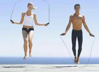 Правильно подобранный режим и темп прыжков на скакалке дадут стройное, подтянутое, красивое тело и восхитительной формы ножки.