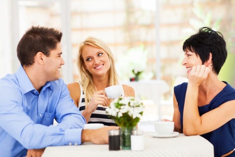 Сомневаетесь в выборе сценария к дню рождения мужа? Посоветуйтесь с его родными и близкими. Возможно они вам помогут.