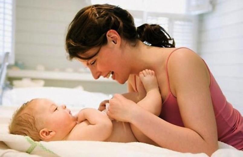 как помочь новорожденному при запоре в домашних условиях