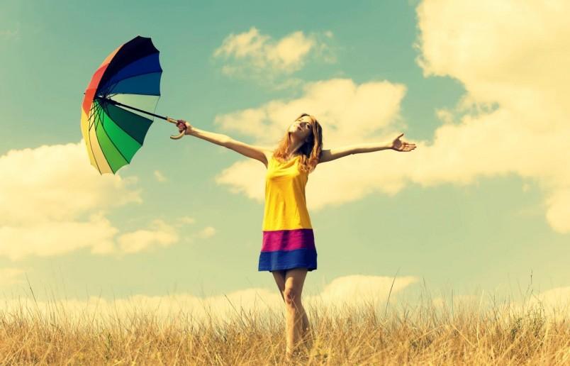 Счастливым нельзя быть вчера или завтра, только сегодня. Помните, что лишь в настоящем времени в нашем распоряжении вся наша сила, энергия, внимание.