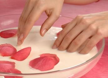 Маски для ногтей желательно готовить из натуральных ингредиентов.