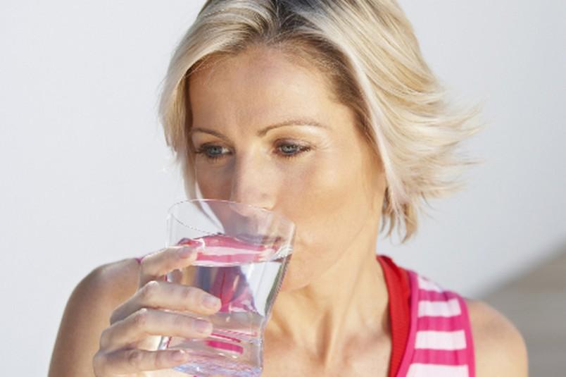 Икота у человека возникает при внезапных судорожных сокращениях мышц, которые используются для вдыхания воздуха.