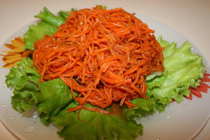 Как ни странно, но корейская морковка была создана отнюдь не в Корее, а в нашем Советском Союзе корейскими эмигрантами или так называемыми «советскими корейцами».