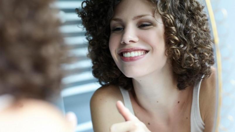 Соблюдайте гигиену лица, почаще меняйте полотенца, а еще лучше – пользуйтесь одноразовыми и прыщи на лбу перестанут вас беспокоить.
