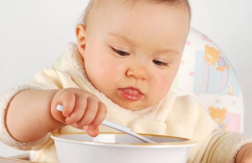 Свойством супов для малышей до года является их способность служить источником энергии и пищевых веществ, необходимых ребенку (как, собственно, и любая другая еда).