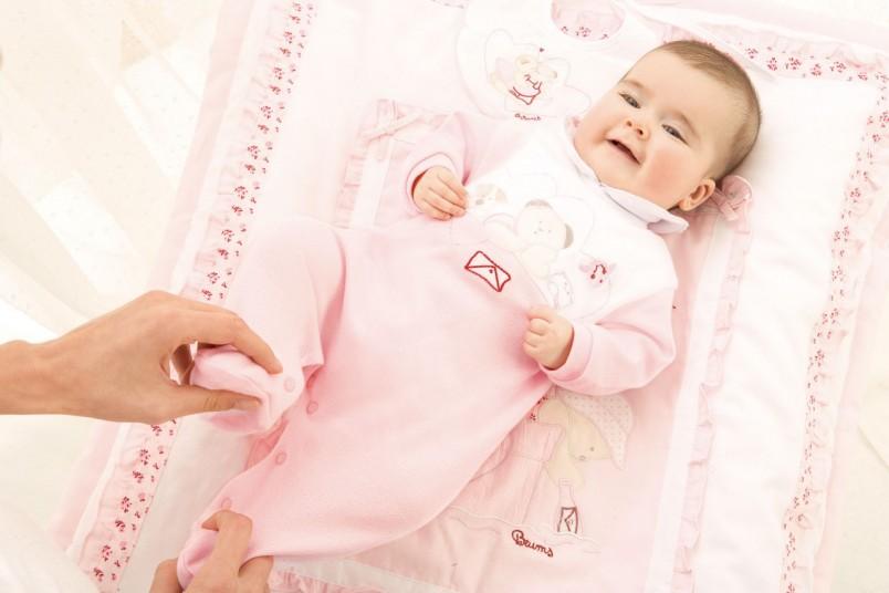 Главной целью развивающие игры и занятия для 1-месячного ребенка должны иметь физиологическое развитие малыша.