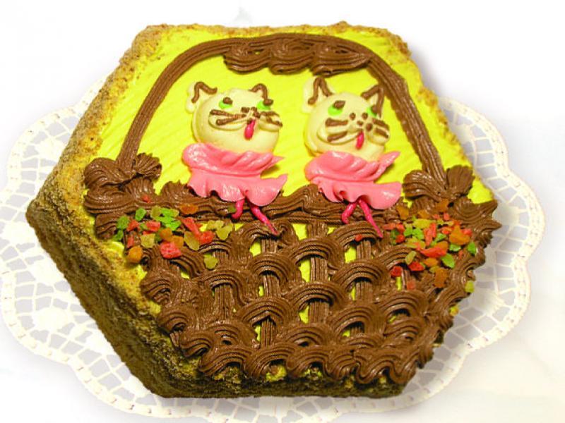 Неважно как вы украсите торт, главное, чтобы он получился вкусным.