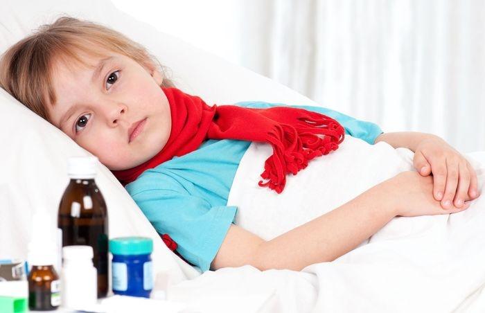 Ларингит может быть одним из симптомов ОРВИ, гриппа, скарлатины и других вирусных заболеваний, поэтому к лечению надо отнестись серьезно.