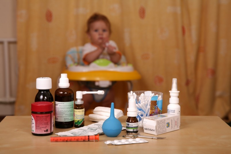 Домашняя аптечка для малыша должна содержать средства для ежедневного ухода за ребенком и оказания ему первой помощи.