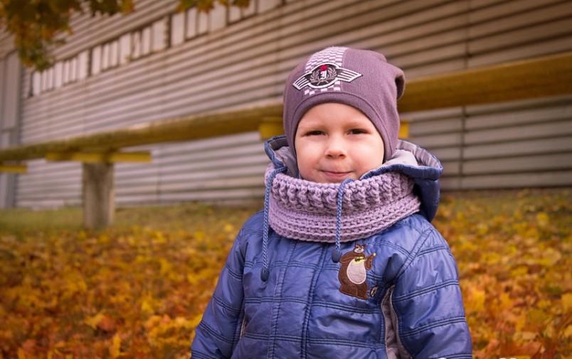 Снуд идеальный вариант для мальчиков, которые не любят обычные шарфы.