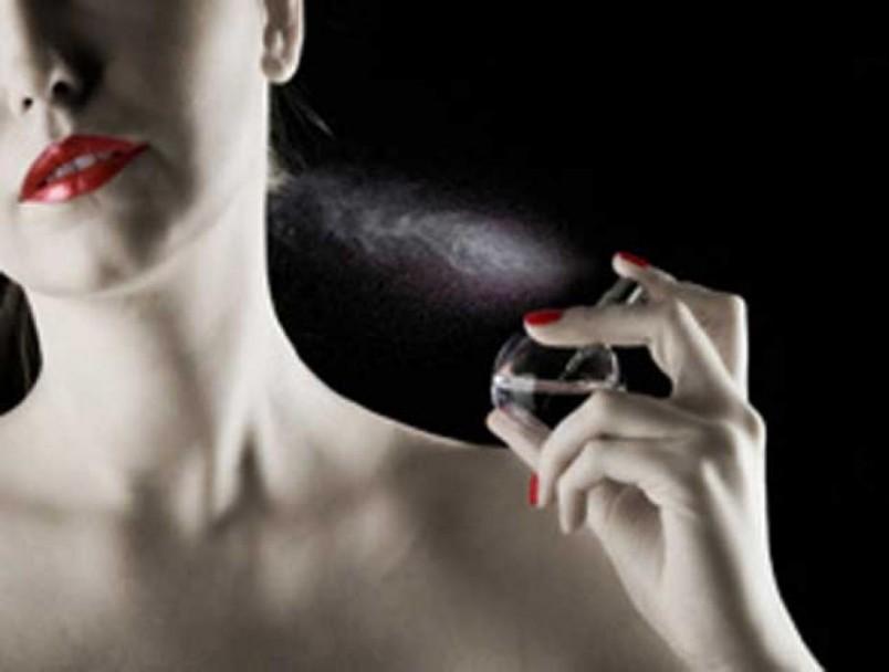 Создатели духов с феромонами сообщают, что их детище способно привлечь к обладателю гораздо больше потенциальных возлюбленных.